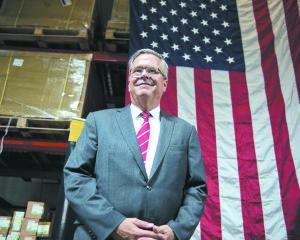 Jeb Bush testa comunidade hispânica a pensar nas Presidenciais de 2016