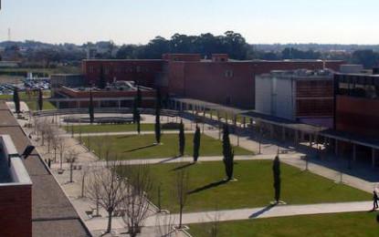 Universidade de Aveiro isenta de propinas  alunos que entrem com média de 17,5