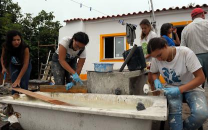 Voluntários recuperam casas e  ajudam a mudar vidas em Óbidos