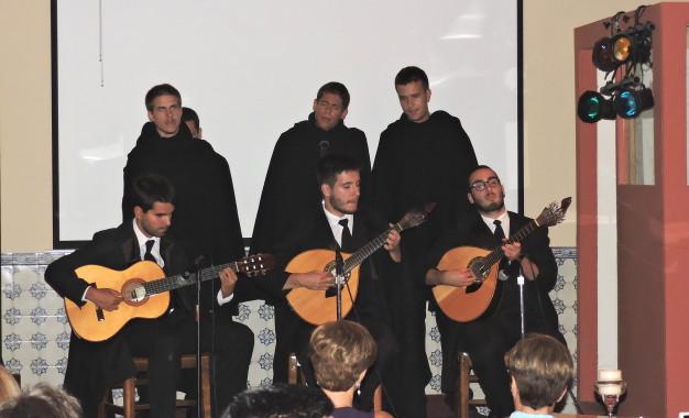 NEWARK, NJ   Grupo de Fados da Faculdade de Medicina do Porto actuou no SCP